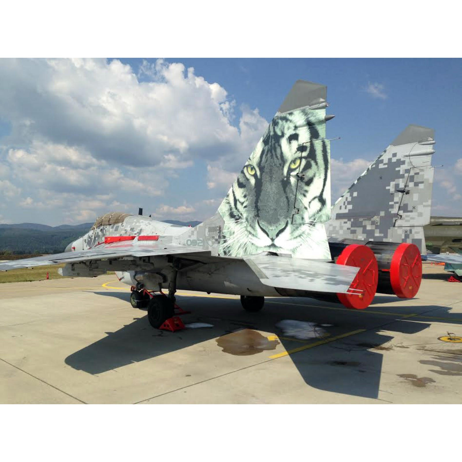 MRP-041 Red Engine covers for aircraft