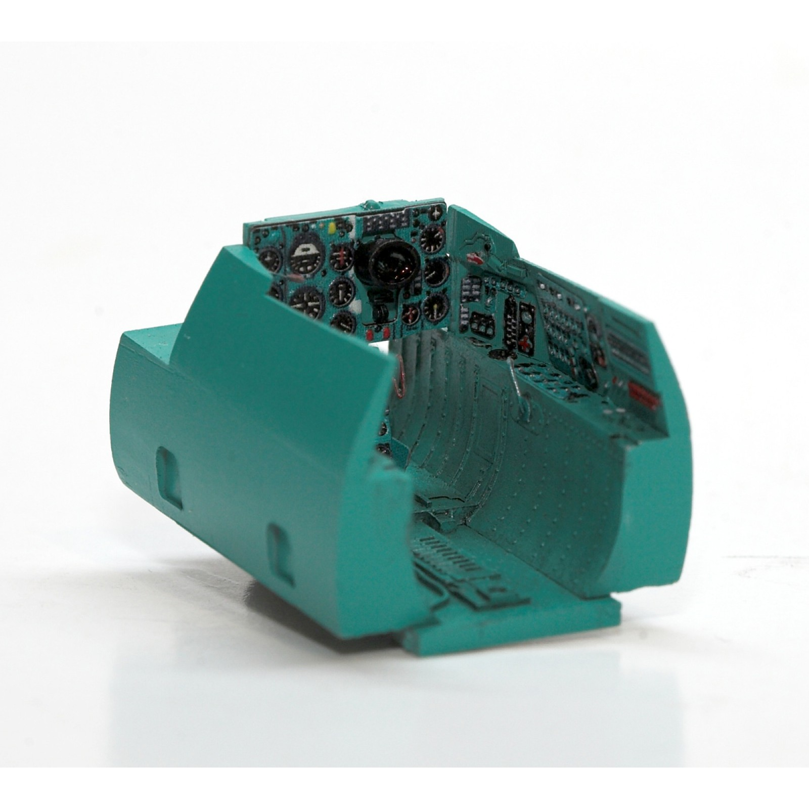 MRP-001  RUSSIA TURQUOISE COCKPIT